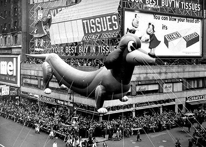 tour Broadway dans la parade de Thanksgiving 1950
