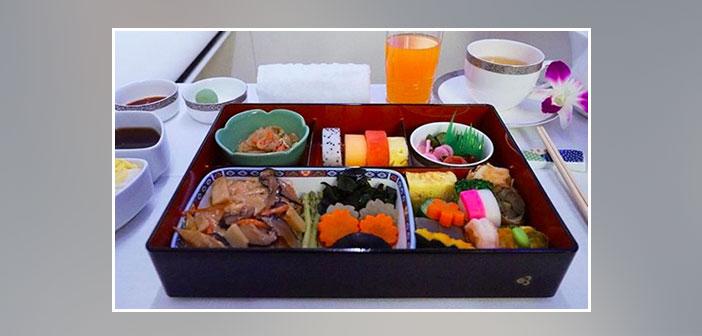 Thai-Airways---Dinner-in-first-class