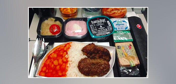 Turkish-Airlines---Dinner-in-economy-class