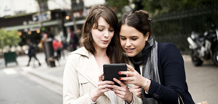 réseau social Zuckerbeg permet magistralement tout simplement de segmenter le public, et il permet aux utilisateurs de diriger le message directement aux gens qui sont intéressés.