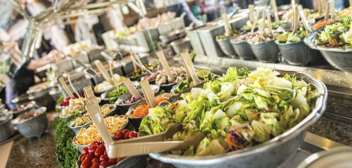 Commander un plat principal comme plat principal, comme par exemple, une salade de légumes ou de la crème, en essayant d'éviter les sauces, deux entrées et principal.