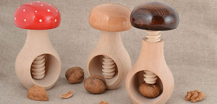 Set of wooden nutcracker shaped mushrooms 3 pieces.