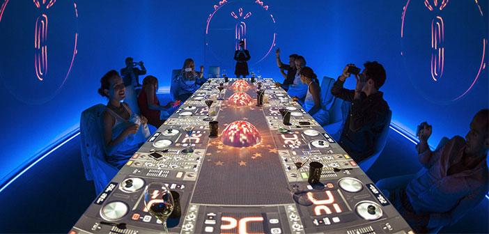 Sublimotion est la réalisation d'un rêve de Paco Roncero où l'avant-garde culinaire et de l'innovation se réunissent pour créer une expérience unique.