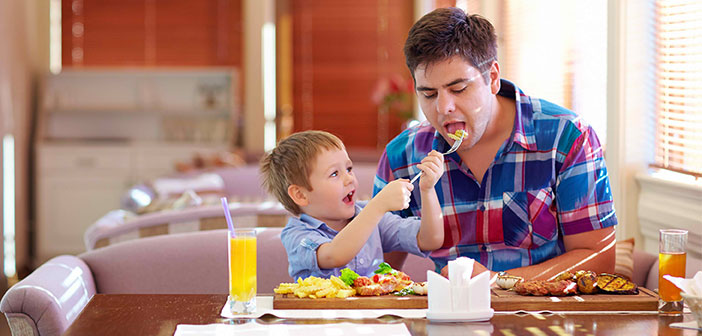 Definitely, children's menus depart radically from what we would consider healthy eating. Quite the contrary, They are full of calories, saturated fats and sugars.