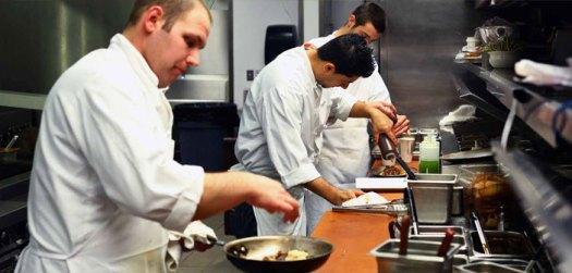 Resultado de imagen de trabajadores en cocina '