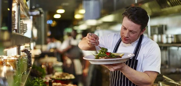 Chef Jamie Oliver British, the first of many restaurateurs in London who have offered to provide assistance to those affected by the fire in the tower Grenfell. It has opened the doors of his Italian restaurant, el Shepherd's Bush, which it is less than 3 km Fire.