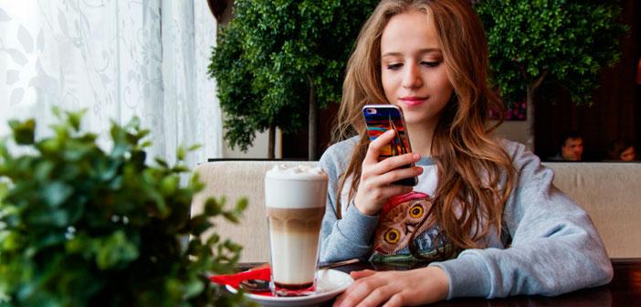 Para dar con ellos puedes recurrir a plataformas que los aglutinan como SocialPubli, en donde podrás encontrar a un influencer basándote en su capacidad de generar engagement para con los usuarios que le siguen.