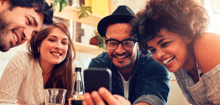 Organiza en tu restaurante eventos para grupos como formaciones para hosteleros, charlas sobre gastronomía o escuelas de cocina. Podrás darles relevancia invitando a líderes de tu sector, influencers en redes sociales u otras personas de perfil alto y con influencia.