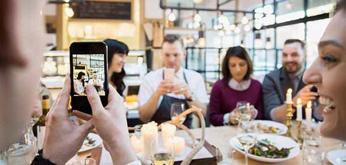 Nous parlons i-commerce ou commerce instantanée, modalité qui utilise les réseaux sociaux comme canal de vente directe.