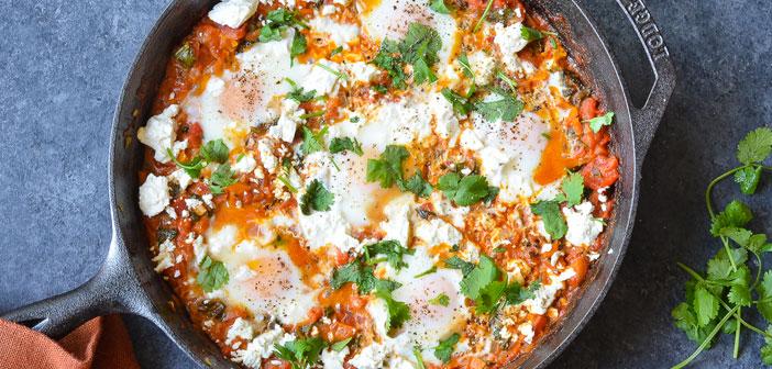 Ahora es tiempo de darle paso a platos tradicionales de la cocina oriental como el Shakshuka, huevos cocidos en salsa de tomate picante