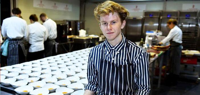 Siendo un quinceañero ya trabajaba con Daniel Humm. No era este un trabajo de verano cualquiera para un chaval de instituto. Era una oportunidad única que Flynn, quien soñaba con ser cocinero profesional desde los dos años, no desaprovechó. Humm era considerado, por aquel entonces, el mejor chef del mundo.