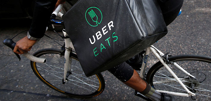 loving customers of delivery and restaurants Barcelona are in luck. Uber Eats just landed in Barcelona with a wide range of establishments. With Madrid, are the only two points of the Spanish geography where it operates the application delivery food delivery Uber.
