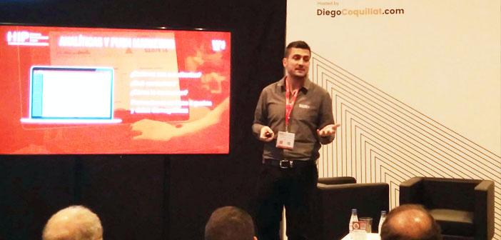 Son fondateur et PDG, Alejandro Etchegoyen, Il est passionné par la technologie. Sur la photo dans son atelier à l'Expo Hip.