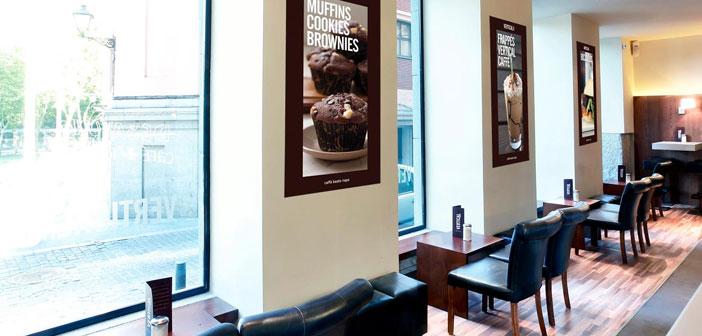 Este local es todo un referente para los verdaderos amantes del café en Madrid. Su brunch está disponible todos los sábados y domingos y ya se ha ganado nuestros corazones. El caféEl Patio vertical tiene dos localizaciones.La primera, en calle Almadén 26, justo en frente del Caixa Forum y al jardín vertical, del que creemos que ha tomado el nombre.