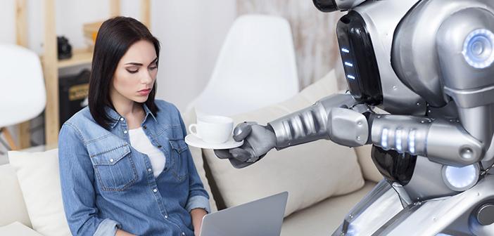 Llevamos mucho tiempo en el entorno digital y tecnológico de los restaurantes escuchando hablar sobre los camareros robots o los chefs robots, pero quizás, con casos como Google Duplex, ha llegado el momento de empezar a hablar sobre los clientes robot, como aquellos asistentes digitales que van a sustituir en algunas acciones repetitivas o carentes se valor a los propios clientes.