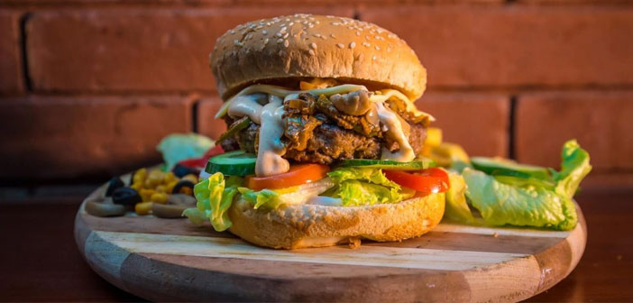 SuperMeat, another pioneer in the sector, It is a little further. Specifically, in Tel Aviv (Israel). Raising funds thanks to crowdsourcing, this company began his career with the support of the people who donated on Indiegogo. Total they joined 220.000 euros.