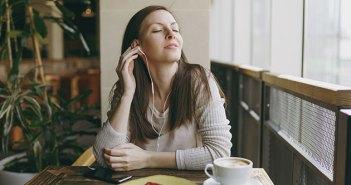 Descubre cómo las canciones prosociales incrementan las propinas en los restaurantes