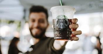 Starbucks apuesta por la innovación tecnológica para luchar contra un estancamiento económico