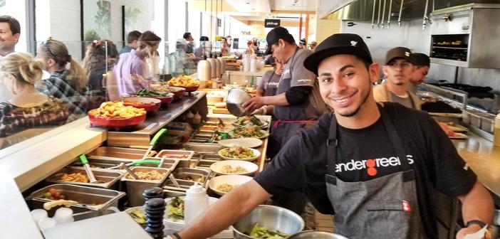 Appel d'offres Verts, spécialisée dans les salades mixtes et végétariens, qui a 28 magasins dans des endroits stratégiques. Récemment accepte uniquement les cartes de crédit et de paiement sans contact, comme Apple Pay.