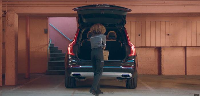 lance Amazon 36 livraison ville coffre de service de la voiture aux clients. Découvrez vos performances et vos chances ici.