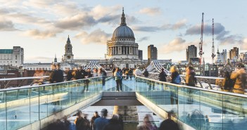 El 51% de los ciudadanos británicos preferirían encargar comida para llevar a comer en un lujoso restaurante