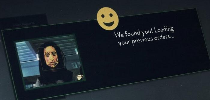 Los kioscos de autopedido dotados de un sistema de reconocimiento facial que identifica a los comensales que ya han visitado el establecimiento con anterioridad y les presenta en pantalla una serie de recomendaciones personalizadas basadas en su historial de consumiciones.