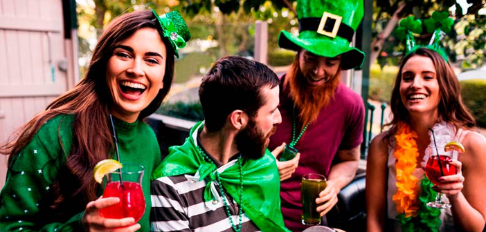 San Patricio had no major impact on Spain and other countries of Ibero-America until recently has become fashionable to celebrate in style, shamrocks and green caps included. But if something can not miss this party, that is alcohol.