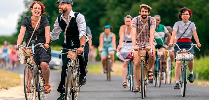 Juste ce point est particulièrement intéressant pour ce mois-ci, depuis le jour 15 est le cycliste et la Journée internationale 19 est la Journée mondiale de vélo.