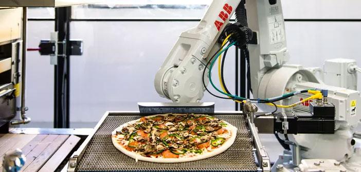 Dans les nouveaux pizzerias ingénieurs et robots Silicon Valley travail