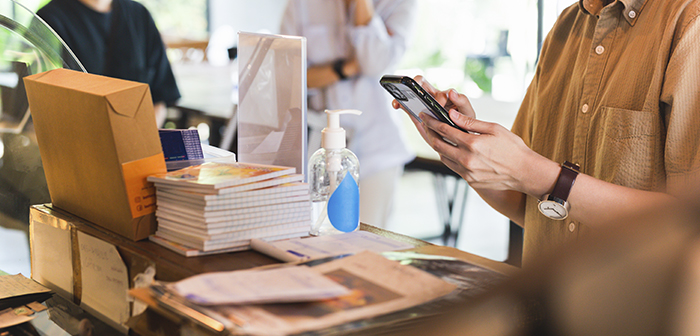 Virtual waiting lists and contact traceability, the two urgent demands of restaurant customers