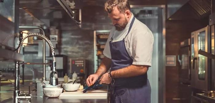 Livraison de cuisine sombre; les nouveaux restaurants Dark kitchen pour la livraison sont agrandis et révolutionnés, les nouveaux restaurants se développent et révolutionnent