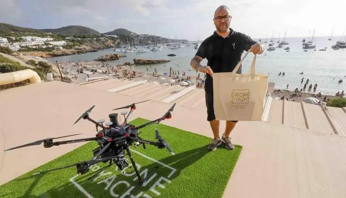 El servicio se ha denominado Drone to Yatch y está disponible tanto para los visitantes extranjeros (ofrecen atención en varios idiomas) como a los nacionales. Se trata de una prueba de campo para evaluar la viabilidad del negocio de cara a escalarlo y exportarlo a otros puntos calientes turísticos del planeta.