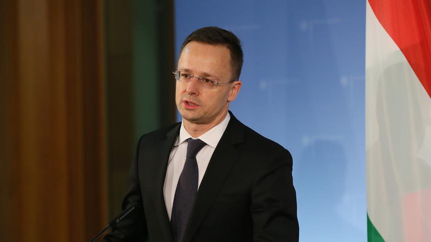 Macaristan'dan Fransa'ya tepki
