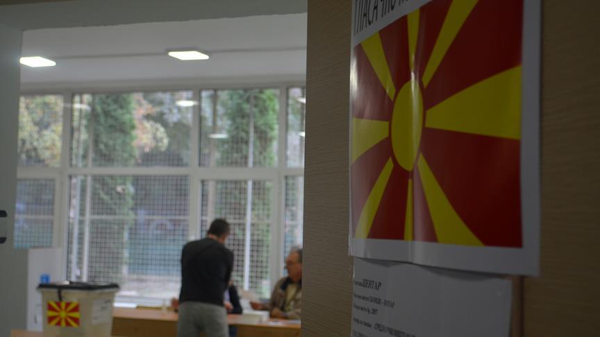 Makedonyalı seçmenler referandum için sandık başında