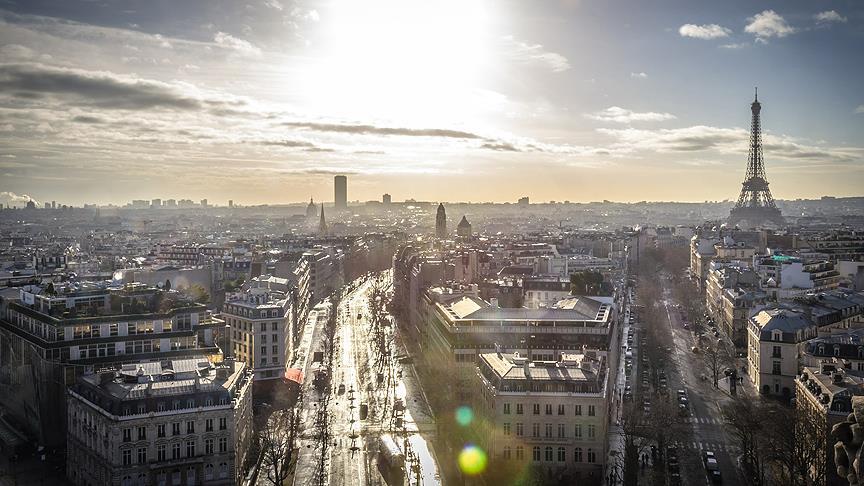Paris gösteriler ve Kovid-19 salgını nedeniyle iflas etti
