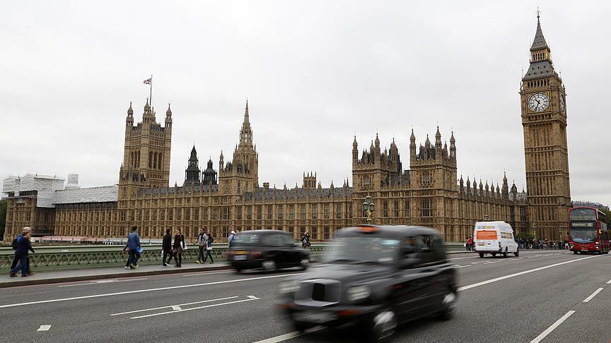 Londra'da 'ırkçılığa hayır' mitingi