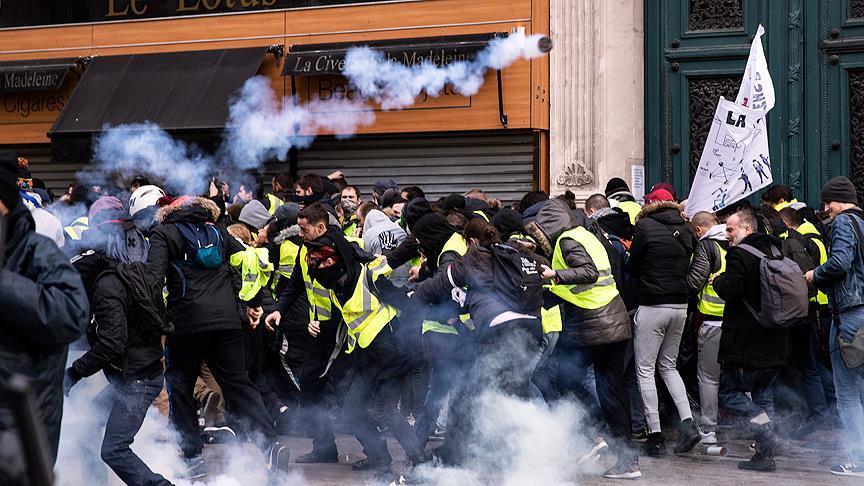 Paris'te en az 65 kişi gözaltına alındı