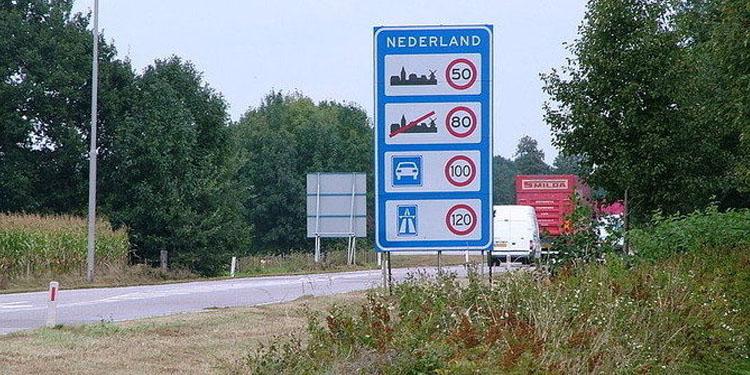 Hollanda'da otoyollarda 100 km sınırı başlıyor