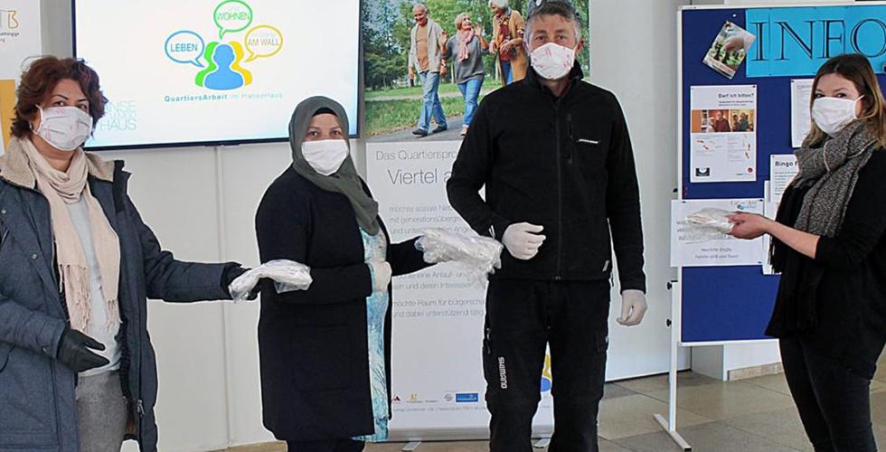 DİTİB kadınlar kolu maske dikip ücretsiz dağıtıyor