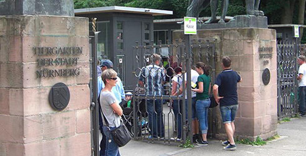 Nürnberg'de karnesinde bir olan öğrenciler hayvanat bahçesine ücretsiz girebilecek