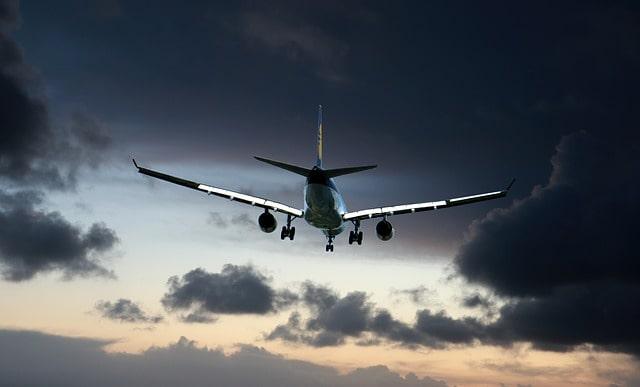 Hollanda'da gerçekleşen uçak kazasında iki kişi yaralandı