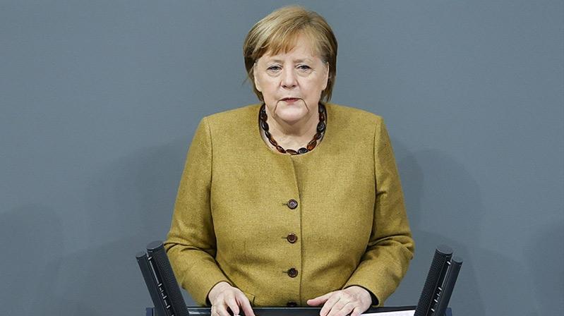 Almanya'da Kovid-19 salgınıyla mücadelede tedbirler sertleşiyor
