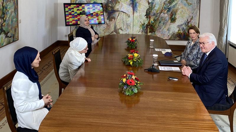 Almanya Cumhurbaşkanı Steinmeier, Bonn'da Müslüman kadınlarla buluştu