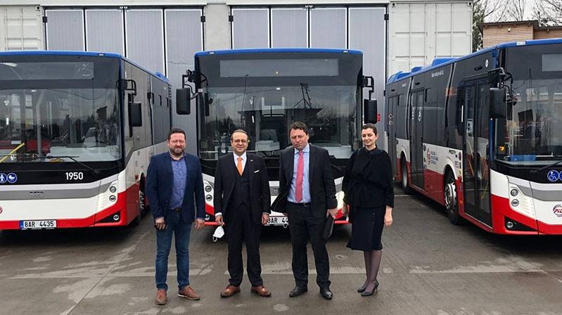 Prag'da Türk markalı otobüsler yolcuların hizmetine sunuldu