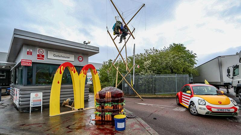 İngiltere'de 1300 McDonald's restoranına ürün dağıtımını engelledi