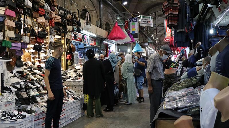 Tarihi Kayseri Kapalı Çarşı'da gurbetçi yoğunluğu esnafı sevindirdi