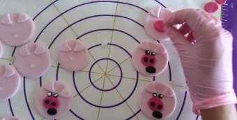 Drei...nein warte zwölf kleine Schweinchen | Nerdday