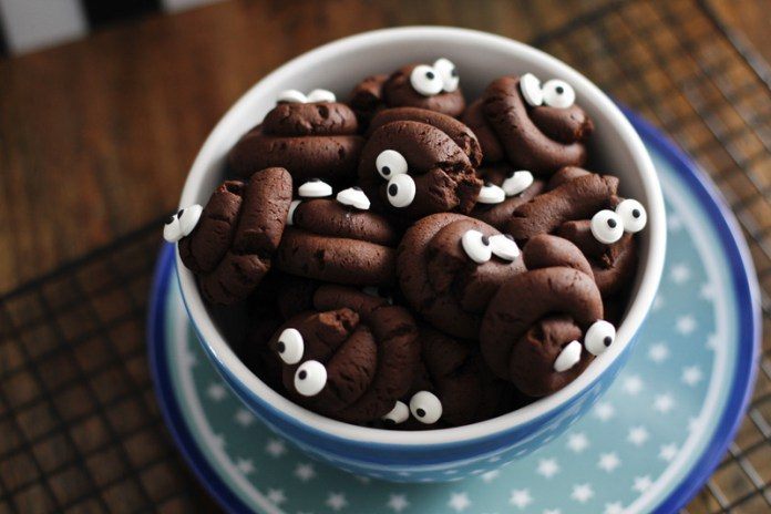 Halloween Kekse Kackhaufen - Kekse in Häufchen Form
