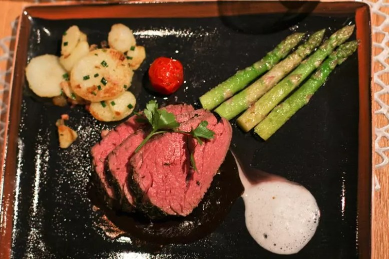 Steak mit Beilagen