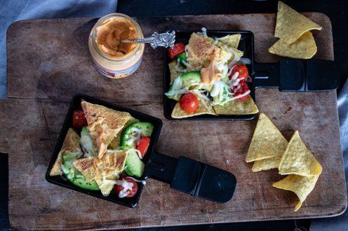 Einfache Raclette Ideen / Rezept für Silvester - Pizza, Nachos & Chorizo Pfanne